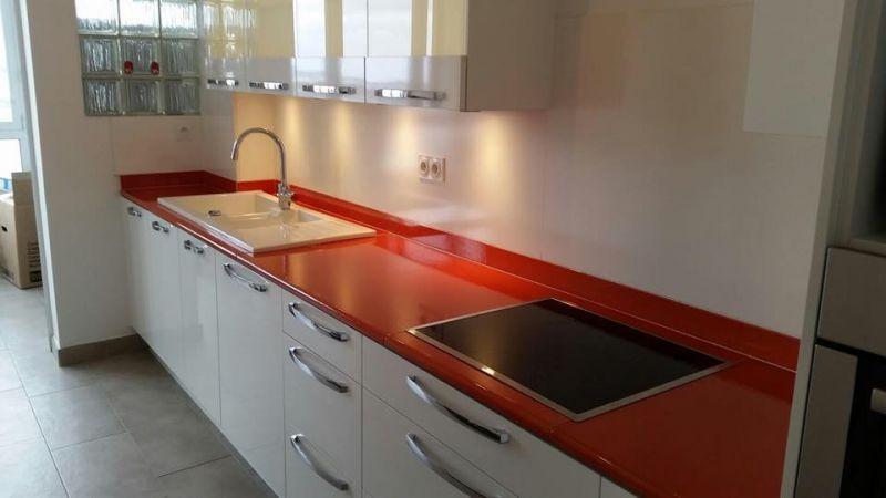 Plan de travail en pierre de lave exemples de r alisations en photo - Cuisine renovation plan de travail ...